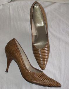 SALE Snakeskin Tan Shoes/Heels/Pumps 1970s by GussiesEmporium