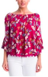 This Romantic Swoop top shirt is something I hope she is going to love. The floral detail with bright colors and detailed bottom hemming are adorable and serve as a great in-office look. Pair with Skinny Jeans and Brown Booties as well! Mustard Pants, Interview Style, Floral Tops, Floral Blouse, Fashion Project, Uk Fashion, Long Tops, Dress For You, Stitch Fix