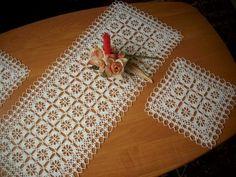 Filet Crochet Charts, Crochet Motif, Crochet Doilies, Crochet Tablecloth, Crewel Embroidery, Bargello, Knitting Yarn, Table Runners, Ideas
