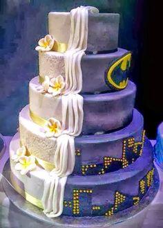 comicbook themed wedding cakes | Batman Wedding Cake