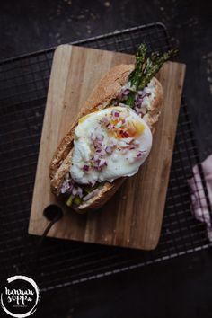 asparagus hot dog with poached egg / Hannan soppa