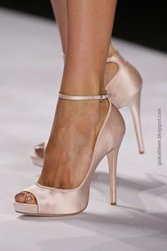 GIO&KATHLEEN: Close up: Badgley Mischka SS13