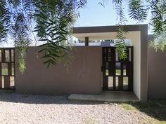 puerta de acceso, chapa perforada corten
