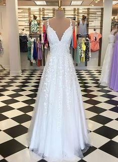 dresses with sleeves or open back. Vintage backless a line mermaid ballgown off the shoulder wedding dresses, fit and flare boho princess gowns. elegant strapless simple gowns with lace, plus size with straps short and … Deb Dresses, A Line Prom Dresses, Dream Wedding Dresses, Wedding Gowns, Dresses With Sleeves, Dress Prom, White Prom Dresses, Dress Long, Party Dresses