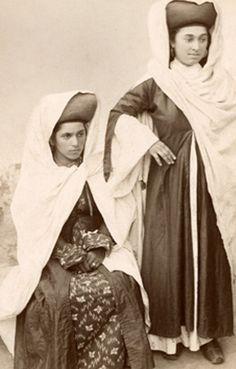 андийки из Ботлиха. 1910. фото Адильгерей Даитбеков, предоставлено организаторами выставки