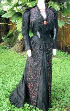 ORIGINAL HIGH VICTORIAN BUSTLE EVENING DRESS c.1880s JACK THE RIPPER ERA! | eBay