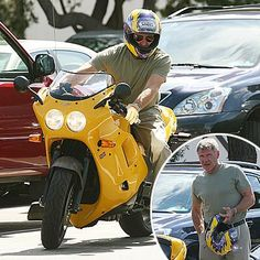 Harrison Ford Triumph Motorcycles, Cars And Motorcycles, Triumph Cafe Racer, Biker Boys, Moto Bike, Old Bikes, Harrison Ford, Bike Stuff, Celebrities