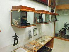 Museo División Azul - Objetos personales y vitrinas de antiguos combatientes.