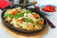 Chicken Recipes Sizzling Pan Fried Noodles Teet Parn Yee Meen recipe