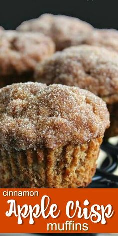 Cinnamon Apple Crisp Muffins are topped with a slightly crunchy cinnamon topping. It is like a cap of streusel but it doesnt require any of the extra work. - Muffins - Ideas of Muffins Apple Desserts, Fall Desserts, Dessert Recipes, Dinner Recipes, Best Apple Crisp Recipe, Apple Crisp Recipes, Apple Cinnamon Muffins, Cinnamon Apples, Apple Pie Muffins