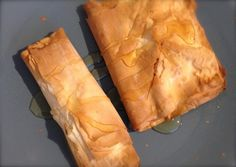Greek Mezedes Mezedes or meze are the small plates of food served with ouzo since in Greece it is customary to eat while you drink Stuffed vine Small Plates, Spanakopita, Bread, Ethnic Recipes, Food, Brot, Essen, Baking, Meals