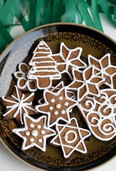 UKKONOOA: Joulun tuoksua / Baking gingerbread cookies / Includes a recipe for the bright white icing!