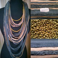 Sjaal Ketting okerkleurig en grijstinten met wollen item en 1 losse okerkleurige Kralenketting. door DKNenzo op Etsy