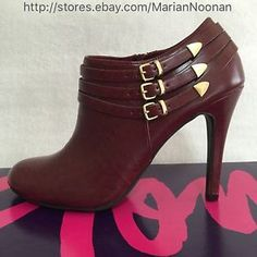 NEW WITH BOX Fioni Stiletto Booties 8 Medium Ice Glace Red Rojo Rouge Burgundy