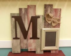 Pallet wood sign and frame , vintage, personalized family photo display for home decor or weddings,and anniversaries
