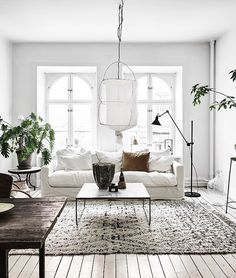 White and vintage - via Coco Lapine Design