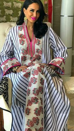 Shirting Jalabiyya Modesty Fashion, Abaya Fashion, Boho Fashion, Fashion Dresses, Mode Abaya, Mode Hijab, Caftan Dress, Dress Skirt, African Fashion