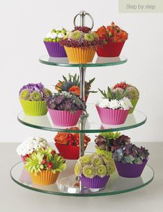 Omg they look more like flowers than cupcakes. Almost don't wanna eat em...almost! ;D