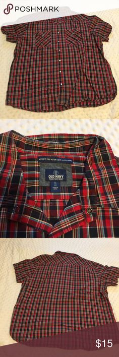 Old Navy Short Sleeve Button Down Men's Old Navy Short Sleeve Button Down, Size XXL, Red and Dark Blue Plaid. Old Navy Shirts Casual Button Down Shirts