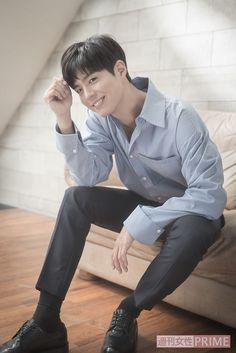 Handsome Asian Men, Handsome Boys, Park Bo Gum Wallpaper, Male Pose Reference, Park Go Bum, Kdrama Actors, Flower Boys, Gentleman Style, Lee Min Ho