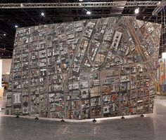 Artist Gerhard Marx in conjunction with Spier Architectural Arts recently created an enormous sculptural mosiac of an aerial photograph of Johannesburg, South Africa. Stone Mosaic, Mosaic Art, Aerial Images, South African Artists, City Illustration, Tile Murals, Art Academy, Contemporary Ceramics, Land Art