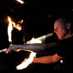 #Vuurspuwer #Vuurshow Dubai, Festivals, Workshop, Fire, Concert, Party, Atelier, Work Shop Garage, Concerts
