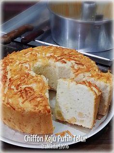 Bismillah... Chiffon Keju Putih Telur, basic resepnya masih sama dengan Chiffon Pandan Putih Telur yang sudah pernah saya share bebera...