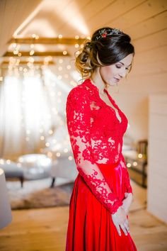 we cannot tell you how much we love this red wedding dress by Eva Poleschinski