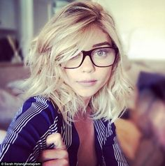 Bespectacled Sarah Hyland is spotted visiting an optometrist #dailymail