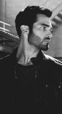 Teen Wolf Peter, Teen Wolf Derek Hale, Wolf Black And White, Wolf Tyler, Tyler Hoechlin, My Soulmate, Character Aesthetic, Dylan O, Series Movies