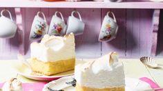 Limette und Kokos harmoniert einfach perfekt: Limetten-Kokosschnitten   http://eatsmarter.de/rezepte/limetten-kokosschnitten