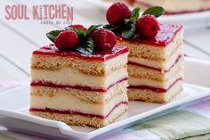Vanilla Raspberry Cake Recipe Desserts with eggs, sugar, honey, butter, baking soda, flour, eggs, sugar, milk, corn starch, butter, vanilla essence, raspberries, sugar, gelatin, water