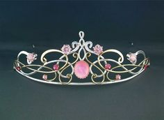 It is SOOO pretty :) crowns | Circlets, Crowns, Tiaras and Dresses for your Medieval, Celtic or ...