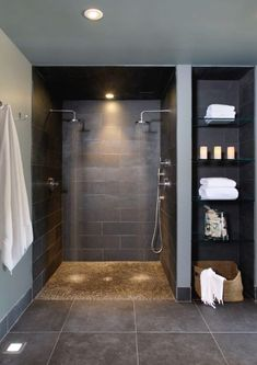 Mycket tid spenderas i badrummet och är ett rum som förtjänar uppmärksamhet och kärlek. Ingen nyhet men det är oftast de genomtänkta detaljerna som ..