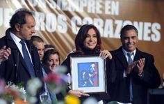 La Presidenta encabezó un acto homenaje a Eva Perón en José C. Paz (Foto: Cadena3) | Leé la nota completa en http://www.pilarenlaweb.com.ar/2012/07/la-presidenta-encabezo-un-acto-homenaje.html