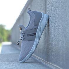 Men Mesh Fabric Adjustable Buckle Shock Absorption Running Sport Sneakers