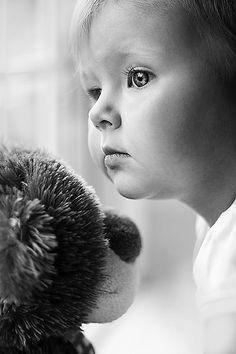 Enfant en noir et blanc                                                                                                                                                                                 Plus