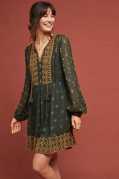 Anthropologie NWT Amina Tunic Dress by Akemi + Kin Embroidered Green size M Stylish Dress Designs, Stylish Dresses, Casual Dresses, Dresses Dresses, Unique Dresses, Dresses Online, Casual Indian Fashion, Boho Fashion, Fashion Dresses