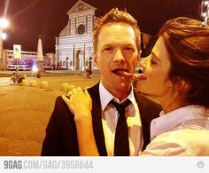 Neil Patrick Harris & Cobie Smulders goof around behind the scenes How I Met Your Mother, Barney Y Robin, Home Entertainment, Robin Scherbatsky, Ted Mosby, Yellow Umbrella, Neil Patrick Harris, A Series Of Unfortunate Events, I Meet You
