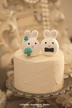 Bunny and Rabbit wedding cake topper #wedding cake