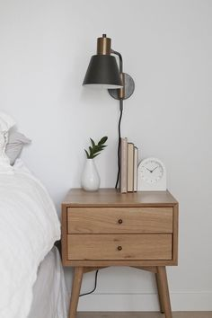A minimalist nightstand - styling done right Master Bedroom Design, Home Bedroom, Bedroom Wall, Bedroom Decor, Bedroom Ideas, Bedroom Sconces, Bedroom Chandeliers, Wall Sconces, Wall Lamps