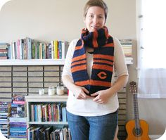 Chicago Bears scarf Free Pattern!!! Can be adapted to other, less interesting teams. Lol