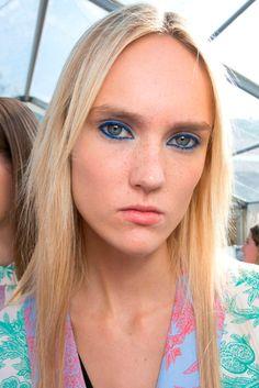 JONATHAN SAUNDERS | Fashion Eyeliner 2016 | Confesiones de una Casual girl | #fashion #beauty #trends #makeup #eyeliner #runway #maquillaje #moda #belleza #tendencias #pasarelas #blog