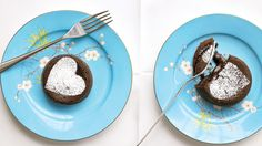 Molten Mocha Cakes If you want to double or triple this recipe, just add three minutes or so to the baking time. Chocolate Lave Cake, Chocolate Cake With Coffee, Mocha Cake, Molten Chocolate, Chocolate Pudding, Dark Chocolate Recipes, Gluten Free Chocolate, Delicious Chocolate, Chocolate Desserts