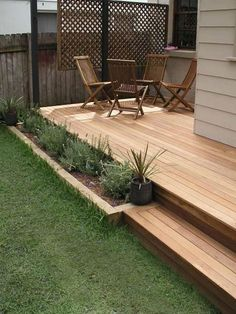 15 Outdoor Deck Ideas for Better Backyard Entertaining 2019 Outdoor Deck Ideas Most Creative Small Deck Ideas Making Yours Like Never Before! The post 15 Outdoor Deck Ideas for Better Backyard Entertaining 2019 appeared first on Deck ideas. Back Gardens, Outdoor Gardens, Patio Deck Designs, Small Deck Designs, Yard Design, Garden Screening, Screening Ideas, Timber Deck, Wood Decks