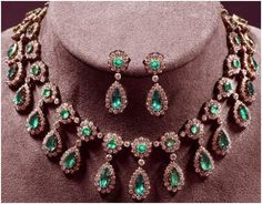 """Signature Victorian Collection....known for its international taste and appeal!    """"Carlyle""""...only $2,900 or P127,600!! Victorian Style !! 14.67ct Diamond,Emerald Necklace set! Imported, world-class quality, not pre-owned, not pawned, not stolen. We deliver worldwide <3"""