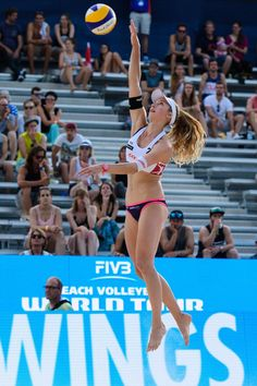 athletics, gymnastics, volley and more sports Beach Volleyball Girls, Volleyball Pictures, Women Volleyball, Sports Pictures, Cheer Athletics, Cheerleading, Laura Ludwig, Female Volleyball Players, Beautiful Athletes