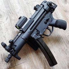 Weapons Guns, Guns And Ammo, Bushcraft, Ar Pistol, Submachine Gun, Custom Guns, Fire Powers, Military Guns, Fantasy Armor