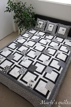 Marie's quilts: Black and white quilt