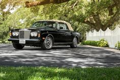 <i>From the Estate of John G. Middleton, one owner from new, 13,442 original miles</i><br /><b>1989 Rolls-Royce Corniche II Convertible  </b><br />VIN. SCAZD02A7KCX29087